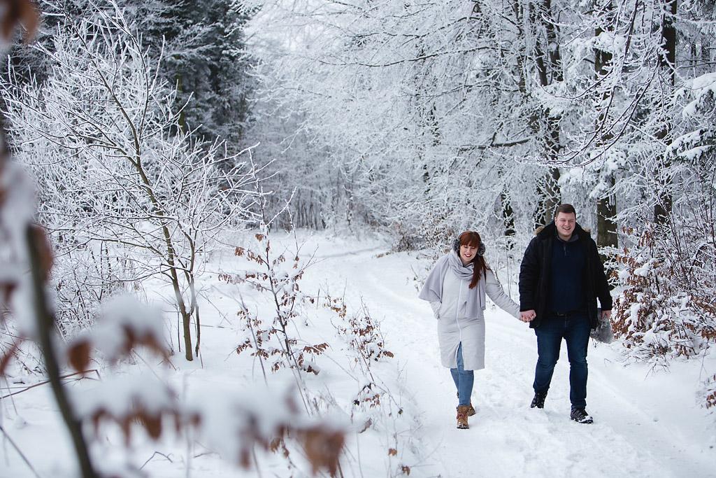 Zimowa sesja narzeczeńska w górach